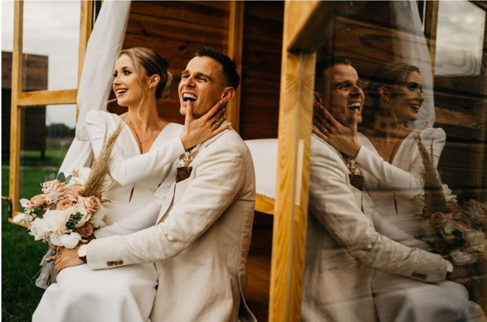 Folwark Ruchenka Wesele - Dagmara i Maciej podczas niesamowitego ślubu w stodole folwarku ruchenka