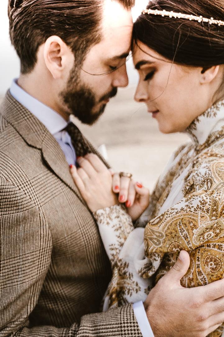 piękna para ślubna podczas wesela w stylu glamour w marakeszu - inspiracja ślubna